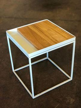 שולחן מתכת מגש